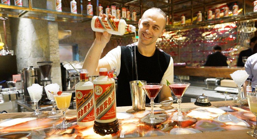 俄罗斯优秀调酒师谢尔盖·布拉赫京