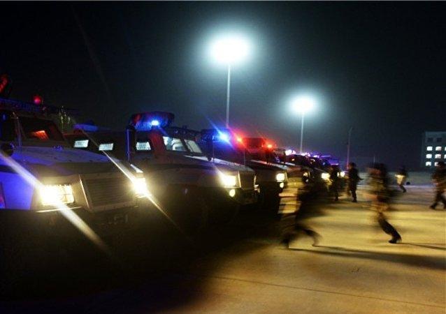 新疆公安边防总队机动支队紧急集结拉动,前往集结地。