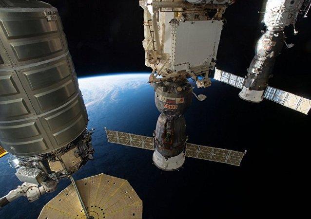 国际空间站飞行轨道平均高度提高1公里