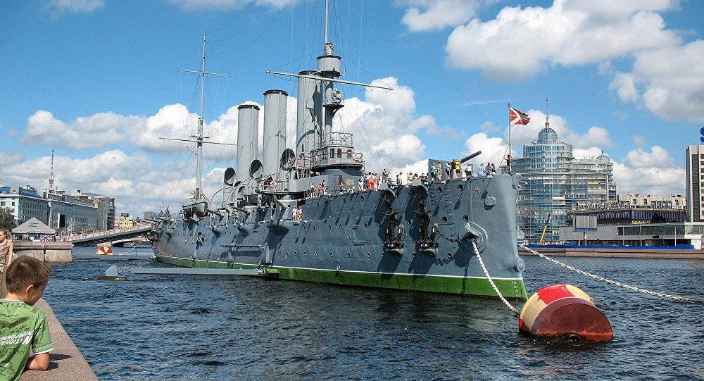 """圣彼得堡 /巡洋舰""""阿芙乐尔"""""""