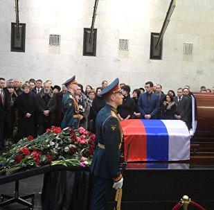 俄常駐聯合國代表維塔利∙丘爾金的遺體告別儀式在莫斯科舉行