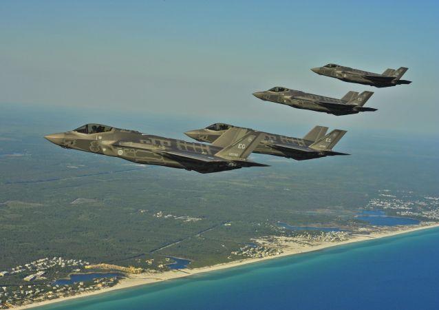 美国向驻日空军基地派遣12架F-35A歼击机