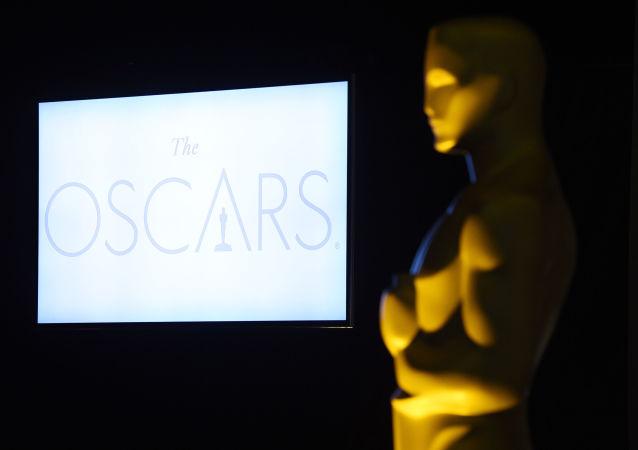 媒体:第89届奥斯卡金像奖颁奖典礼的主持人给特朗普发推文