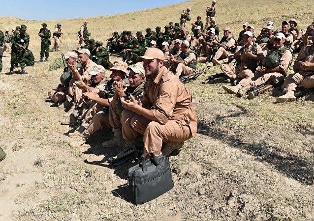 塔吉克斯坦军方开始在靠近阿富汗边境的地区举行反恐演习