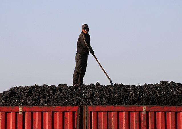 韩媒:3月朝鲜煤炭出口为零
