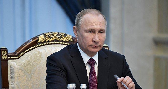 普京:国民近卫军的工作应该具有前瞻性 揭穿恐怖分子的计划