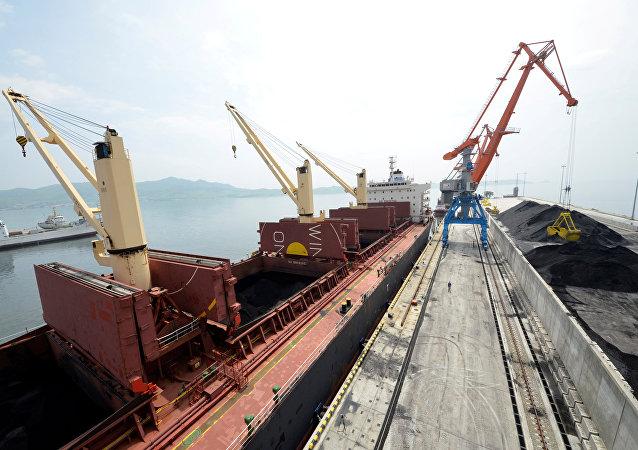 朝鲜通过俄罗斯港口向日本和韩国出口煤炭