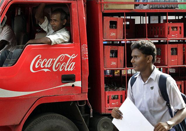 印度多家商店宣布抵制百事和可口可乐