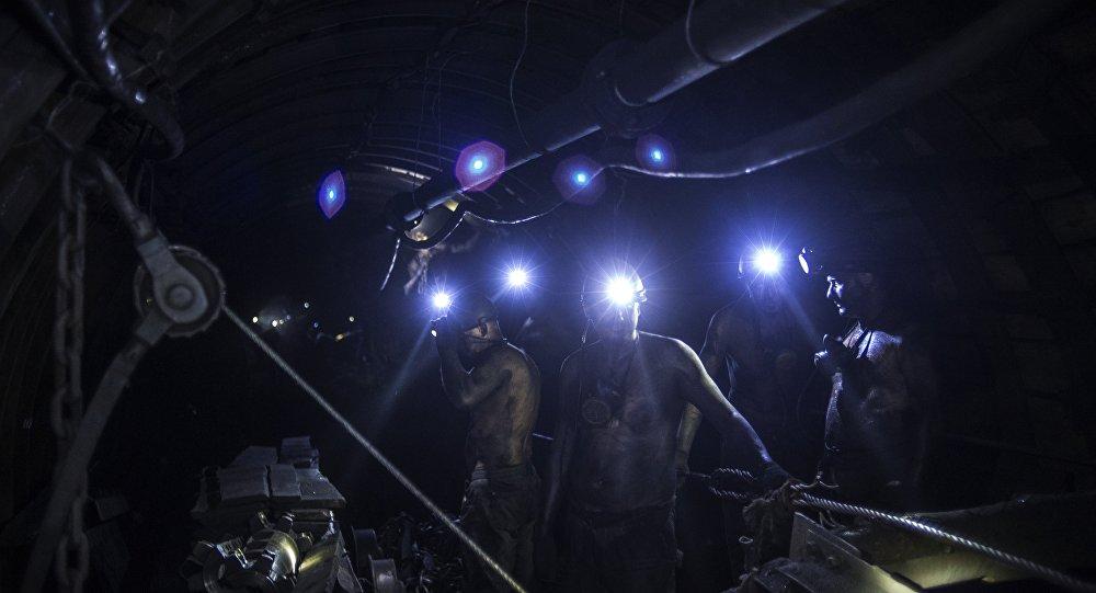 顿巴斯贸易封锁组织者威胁阻止俄罗斯向乌克兰出口煤炭