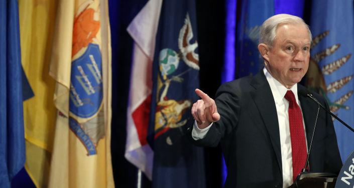 《华尔街日报》:美总检察长终究曾与俄大使讨论美选举问题