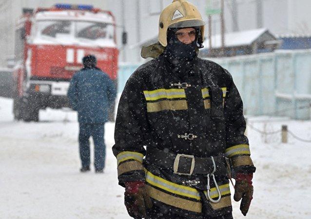 俄新西伯利亚火灾致2人死亡 另有50多人获救