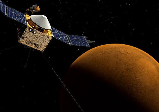 美空间探测器改变航线躲避火星卫星