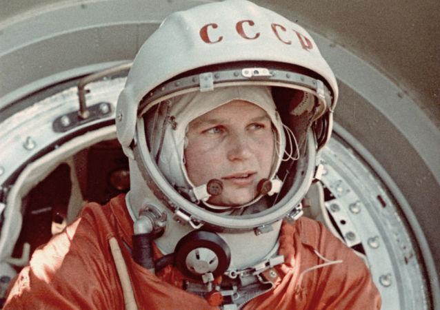 世界首位女宇航员瓦莲金娜·捷列什科娃