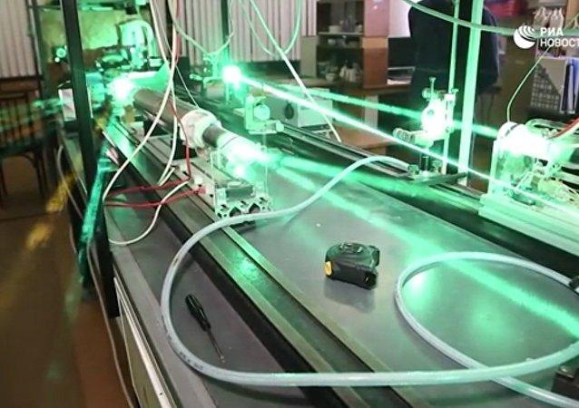 俄罗斯科学家找到激光器增效方法