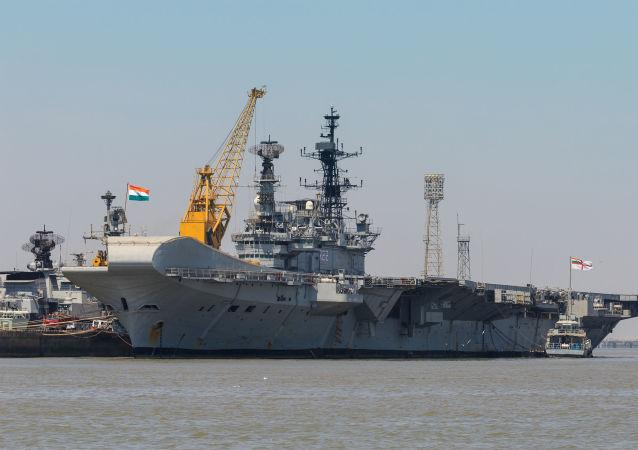 """世界上最老的现役航母""""维拉特""""号从印度退役"""