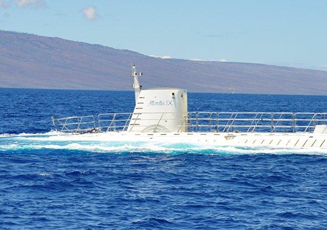 加拿大旅游潜艇