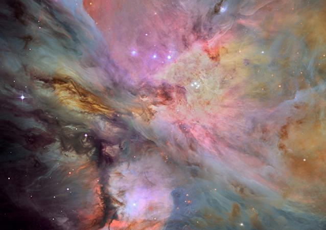 哈勃望远镜拍下银河系美丽的星云