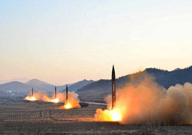 """朝鲜领导人称该国大推力发动机试验为""""3月18日革命"""""""