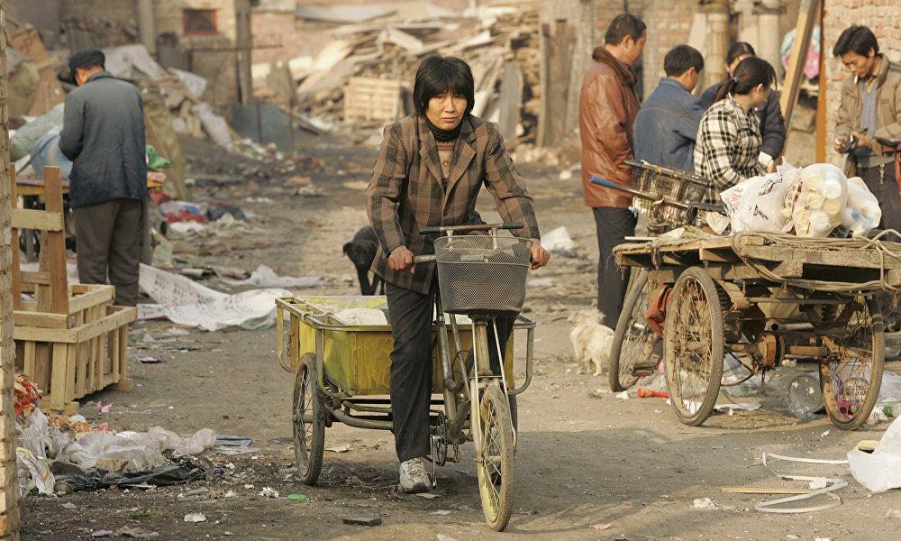 欧青平指出,最为贫穷的中西部地区各省在最近一段时间将会制定出考核当地干部工作的特殊标准。