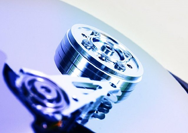 俄科学家正研制能将信息存储数百年的电脑磁盘