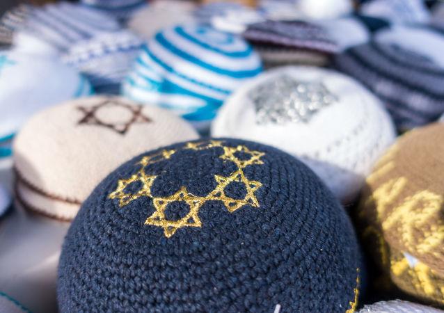 民调:对犹太居民的偏见是美国的严重问题