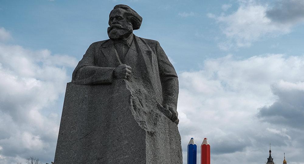 马克思雕像在莫斯科