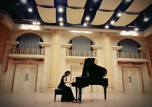 俄作曲家首次亮相「日本-俄羅斯:音樂橋」音樂會