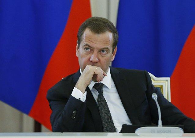 普京解释梅德韦杰夫不在克里姆林宫的原因