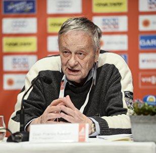 國際滑雪聯合會(FIS) 主席卡斯帕