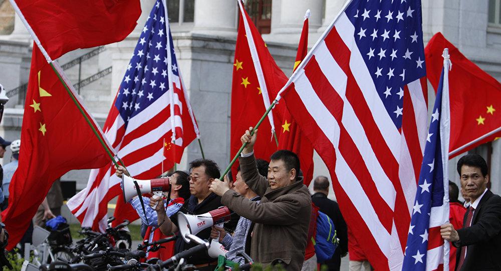 中美濒临贸易冲突边缘 - 谁更倒霉?