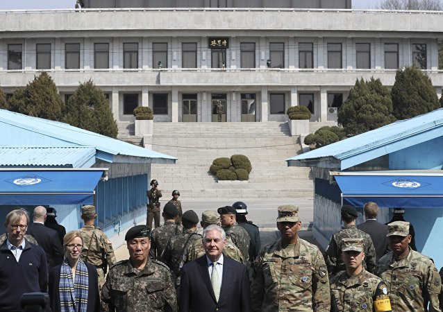 美国国务卿蒂勒森访问韩国