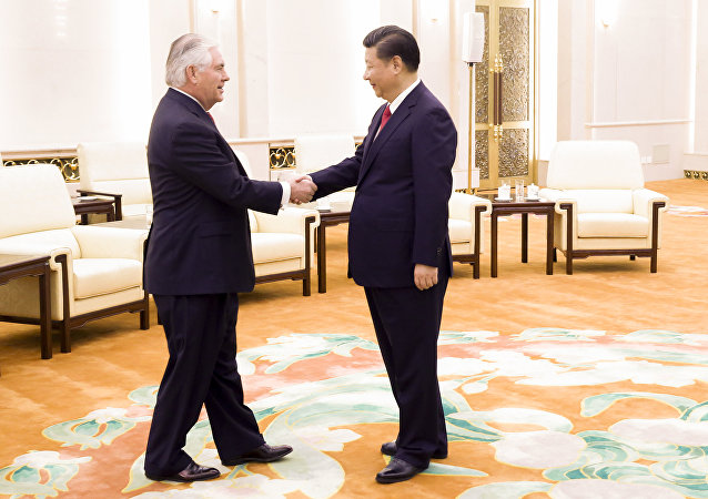 中国国家主席习近平会见美国国务卿蒂勒森