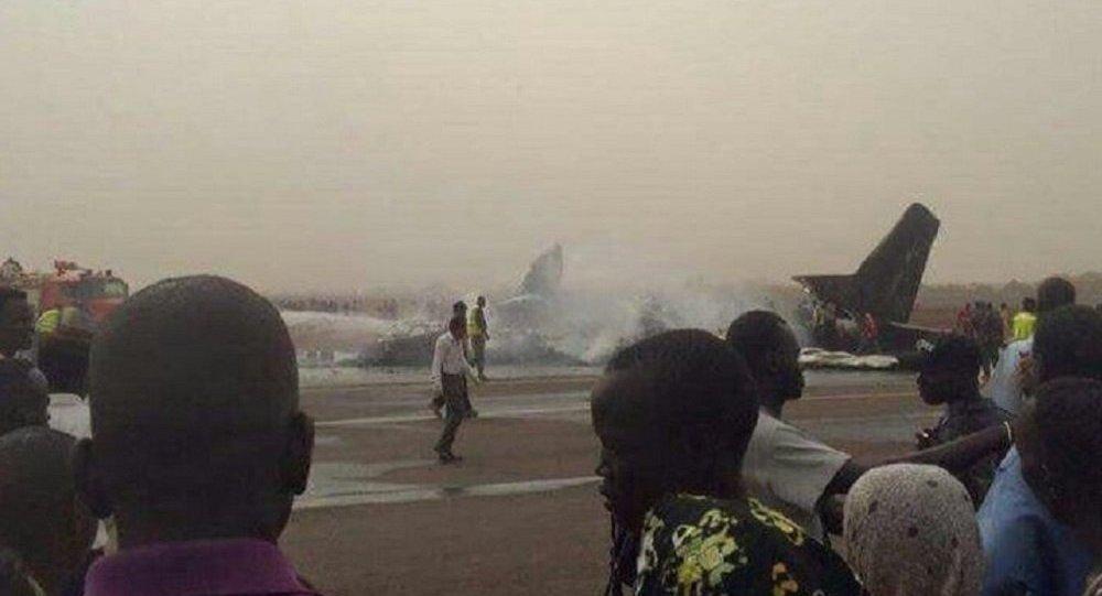 一架飛機在南蘇丹墜毀 14人被送醫