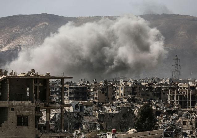 恐怖分子对大马士革东部叙利亚军队控制区进行射击