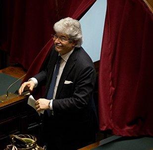 意大利参议员安东尼奥·拉兹