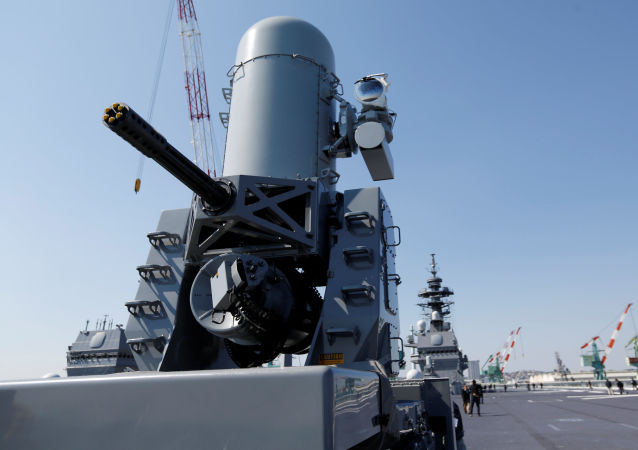 日本出云号直升机护卫舰首次出海执行保护美国船只的任务