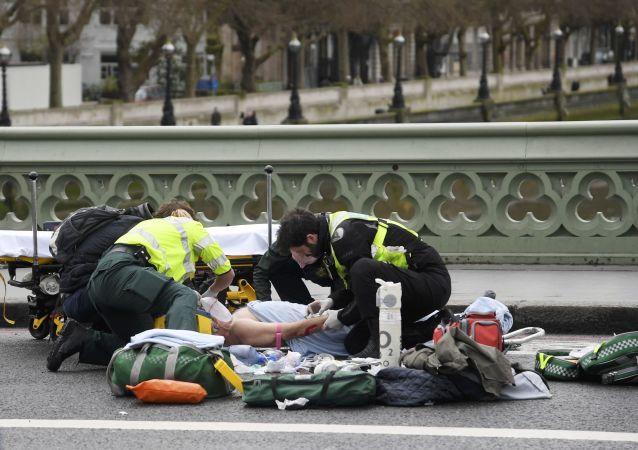 英警方:伦敦恐袭中死亡人数升至5人 40人受伤