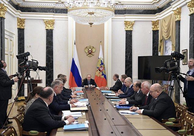 普京称俄军事出口总额2016年截止年底超过150亿美元