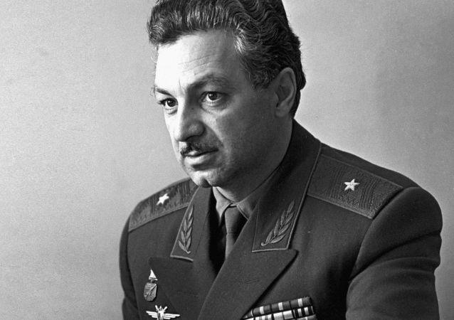 米格公司:著名试飞员斯捷潘·米高扬去世 享年94岁