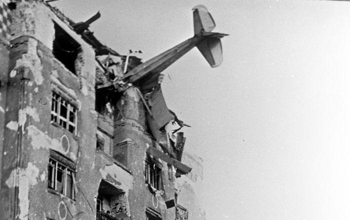 历史镜头:传奇摄影记者叶夫根尼·哈尔捷伊拍下的照片
