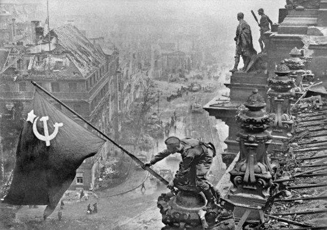 历史学家讲述战争期间苏联情报部门的电台游戏