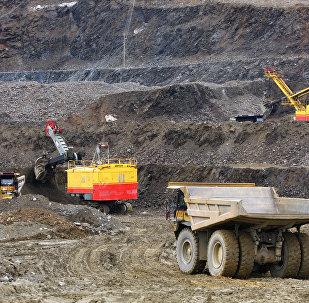 俄中基礎設施和礦業領域基金資金量將各增至100億美元