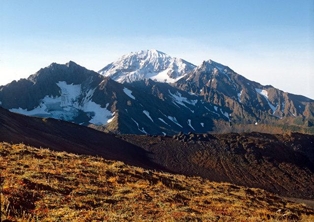 坎巴利内火山