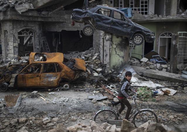 """联盟突击摩苏尔期间的武装打击导致平民死亡,有15条与此相关的消息""""值得信任"""""""