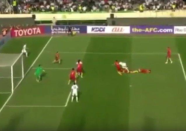 中国男足在2018年世预赛中客场输给伊朗