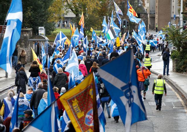 民调:多数苏格兰人在无协议脱欧的情况下支持独立