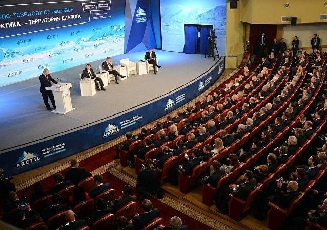 """普京:非法抗议活动已导致""""阿拉伯之春""""以及乌克兰的政变"""
