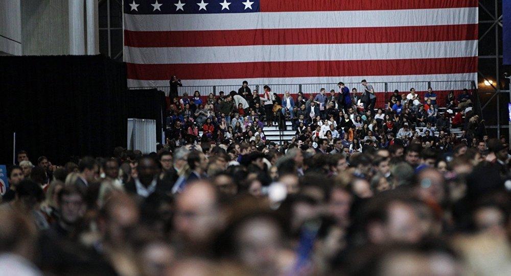 媒体:约2亿美国选民的资料外泄