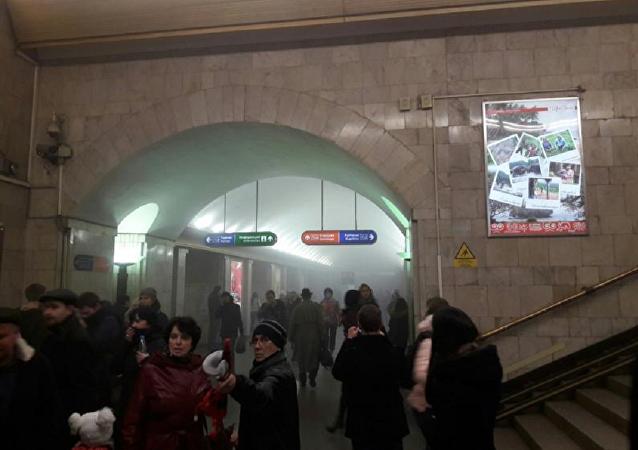 普京不排除圣彼得堡地铁爆炸是恐袭事件