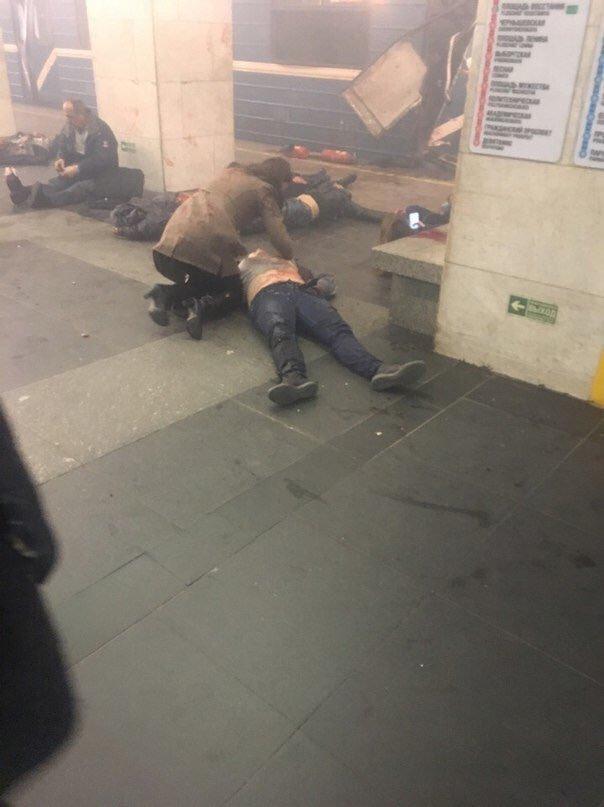 消息人士称,圣彼得堡地铁发生爆炸,有人员伤亡